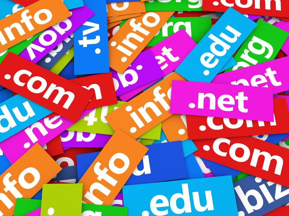 select domain 960x720 - How to select a domain name for your website?